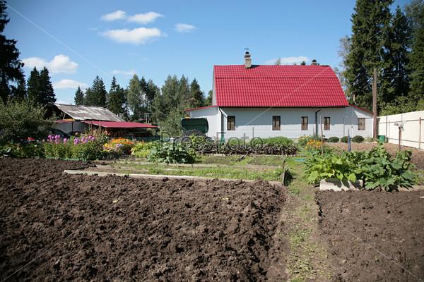 Фотография на тему Дом с огородом