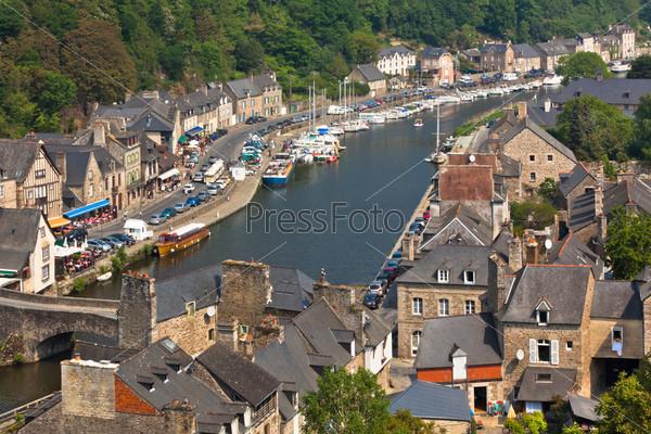 Фотография на тему Динан, Бретань, Франция - древний город на реке