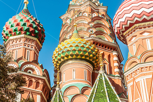 Известный собор Василия Блаженного в Москве