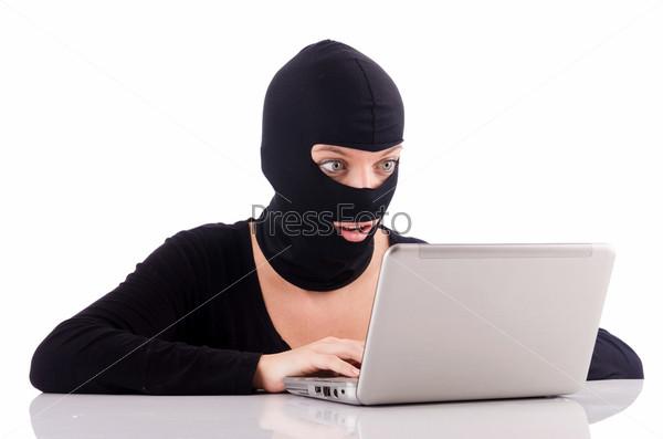 Фотография на тему Хакер в маскес компьютером