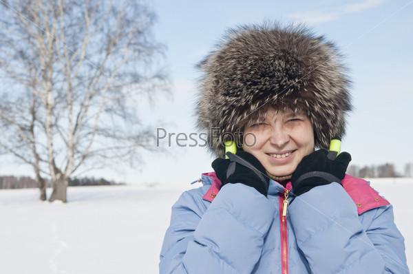 Женщина туристический лыжник