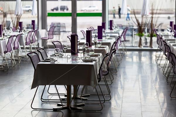 Фотография на тему Ресторан готов к обслуживанию клиентов