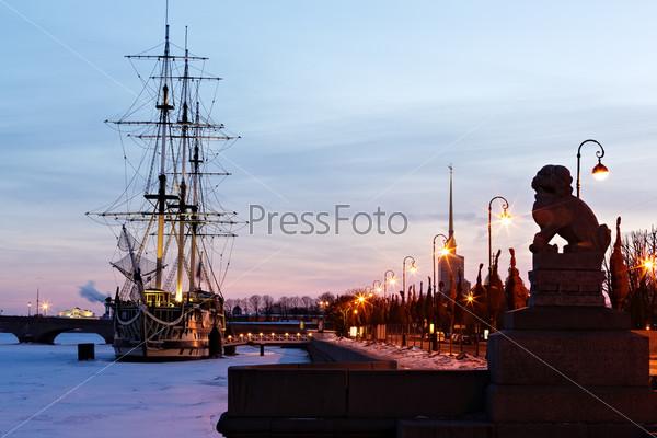 Набережная Петра. Санкт - Петербург