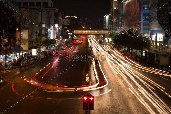 Фотография на тему Ночное дорожное движение