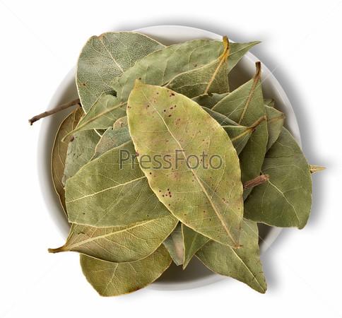 Лавровые листья в тарелке