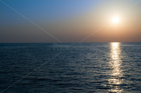 Фотография на тему Закат над морем