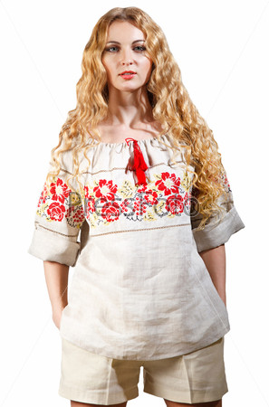 Женщина в традиционном костюме
