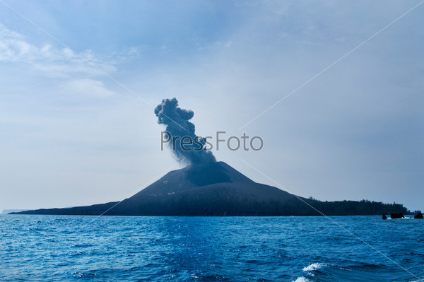 Фотография на тему Извержение вулкана. Анак Кракатау