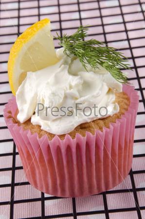 Кекс с мягким сыром и лимоном