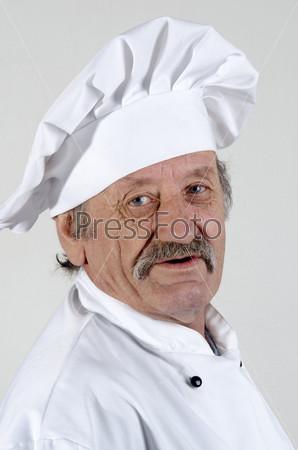 Профессиональный шеф-повар в рабочей форме