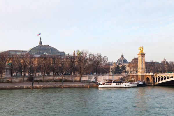 Фотография на тему Мост Александра III и Гран Пале, Париж
