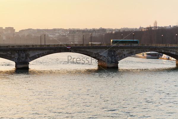 Фотография на тему Мост в Париже на закате
