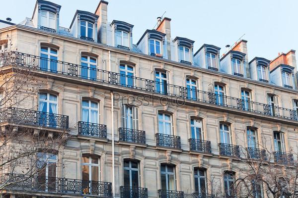Здание в Париже