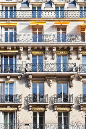 Типичный дом в Париже