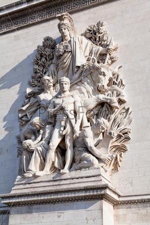 Скульптура на Триумфальной арке в Париже
