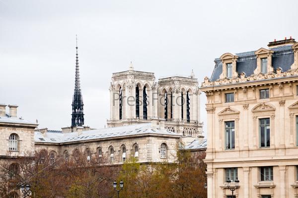 Фотография на тему Парижское здание
