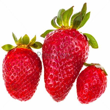 Фотография на тему Три свежих красных садовых клубники