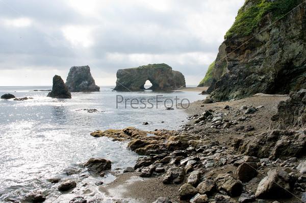 Причудливые скалы на мысе Великан, остров Сахалин, Россия