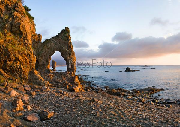 Восход солнца на мысе Великан, остров Сахалин