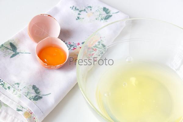 Фотография на тему Яичные белки и желтки