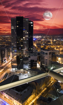 Ночная панорама Таллина с верхней части дома