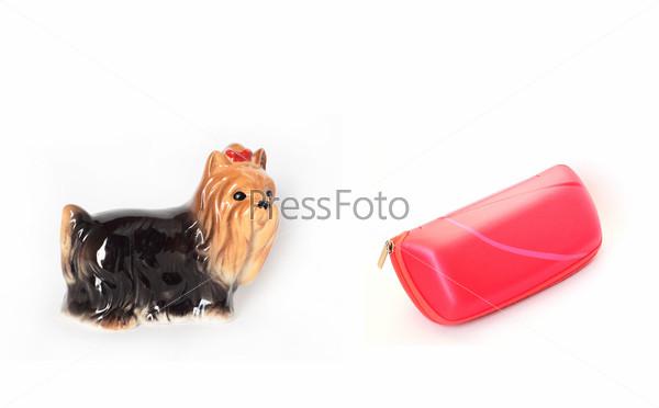 Собачка статуэтка и футляр для очков
