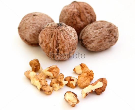 Мелкие части грецкого ореха