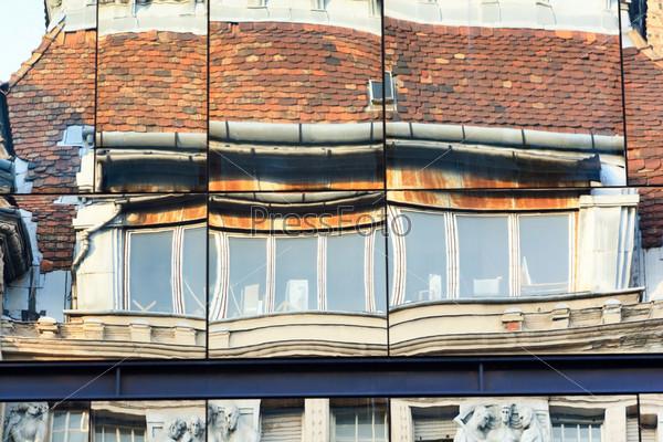 Фотография на тему Отражение в здании