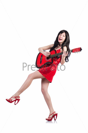 Певица с гитарой на белом фоне
