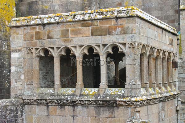 Беседка в аббатстве Мон Сен-Мишель. Нормандия, Франция