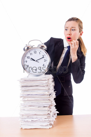 Бизнес-леди с часами и документами