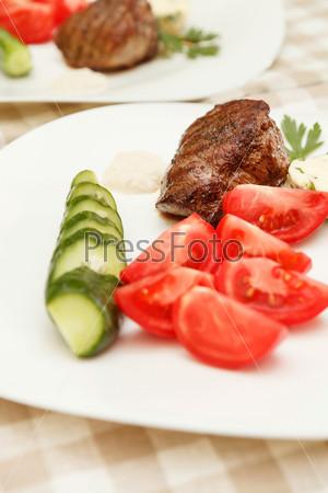 Фотография на тему Стейк с овощами