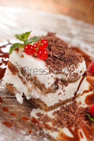 Фотография на тему Итальянский десерт с ягодами