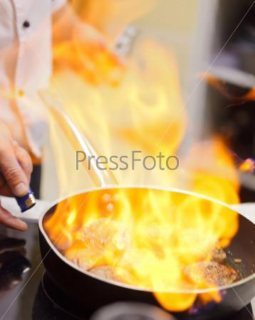 Сковорода с огнем
