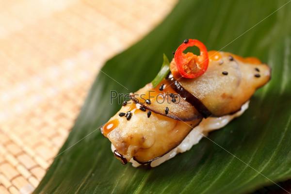Суши на листе