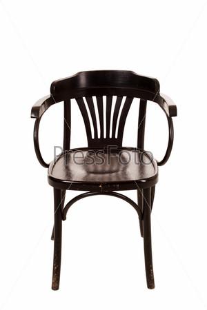 Деревянный стул на белом фоне