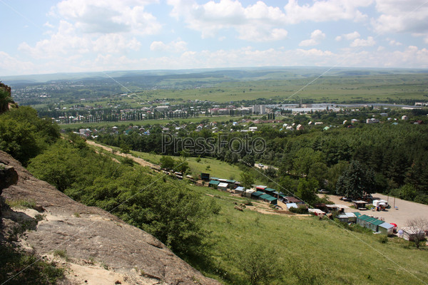 Панорамный вид на долину