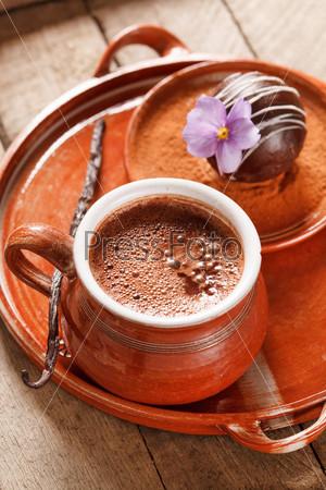 Горячий шоколад с шоколадным шариком