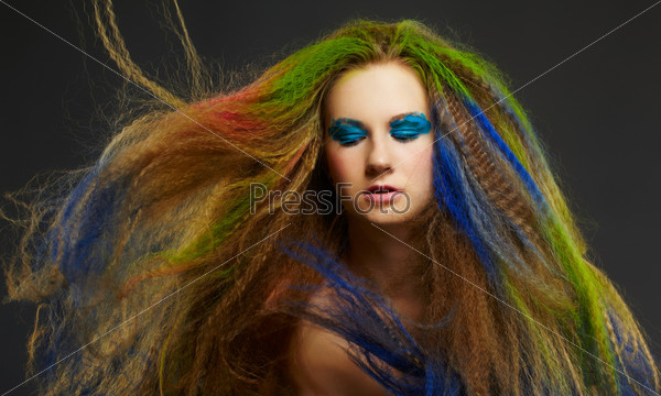 Фотография на тему Женщина с рыжими длинными кудрявыми волосами