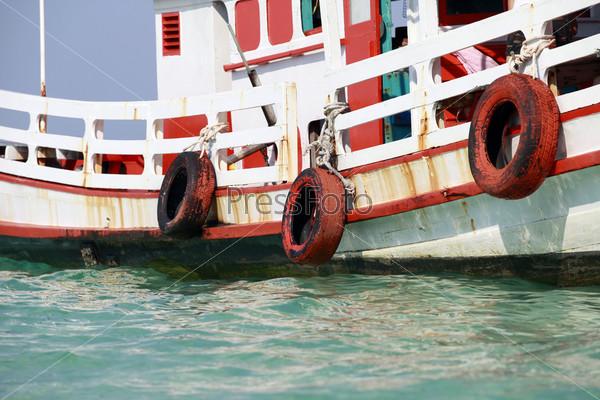 Фотография на тему Дрейфующяя лодка