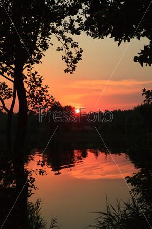 Фотография на тему Закат на озере