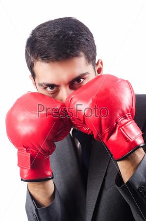 Молодой предприниматель в боксерских перчатках