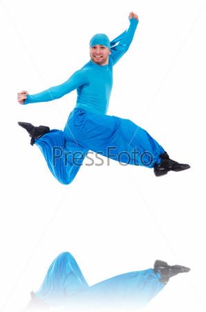 Фотография на тему Танцов в широких шароварах на белом фоне