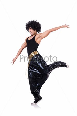Танцор хип-хопа, изолированный на белом