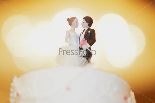 Фигурки на свадебном торте