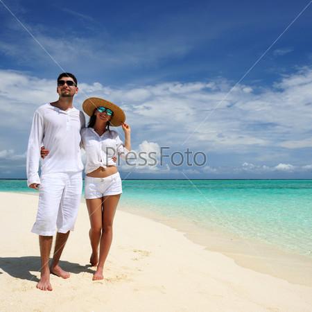 Фотография на тему Пара на пляже, Мальдивы