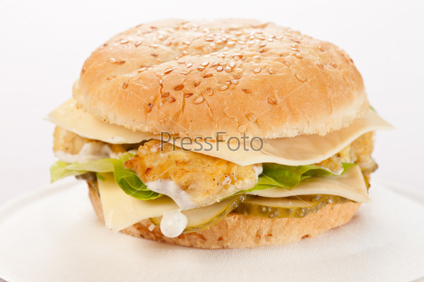 Фотография на тему Чизбургер на тарелке