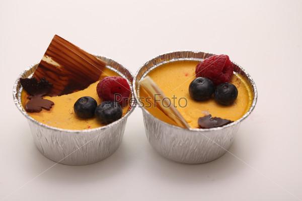 Фотография на тему Десерт в форме из фольги крупным планом