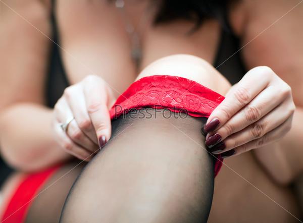 Фотография на тему Черные чулки на женской ноге