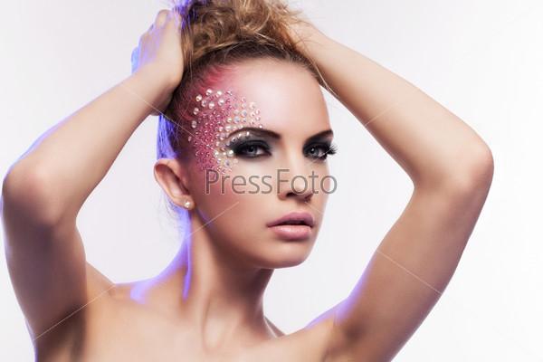 Фотография на тему Красивая женщина с фантастическим макияжем